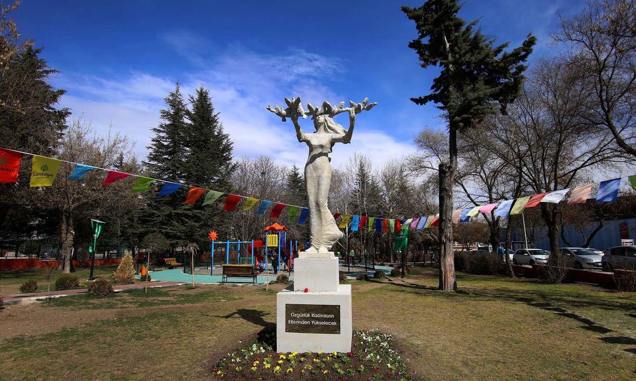 Ankara parkları arasında bulunan Eser Parkı